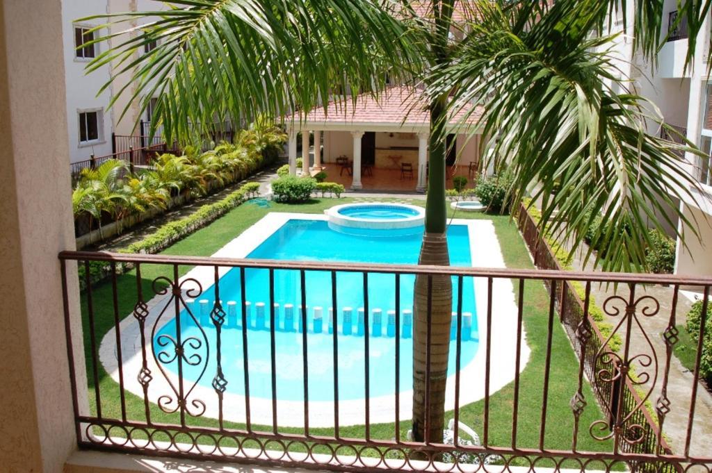 Pogled na bazen v nastanitvi Bavaro Green oz. v okolici