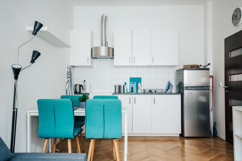 A kitchen or kitchenette at Kangelo home with café