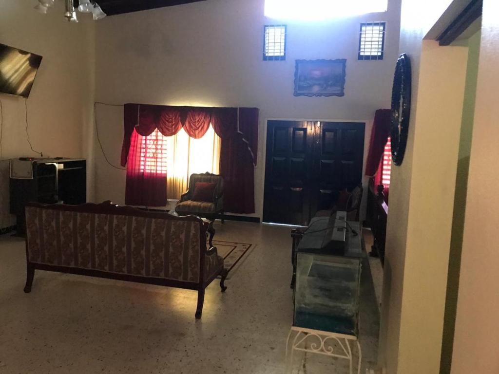 هتل Scarlett Hall Hideaway