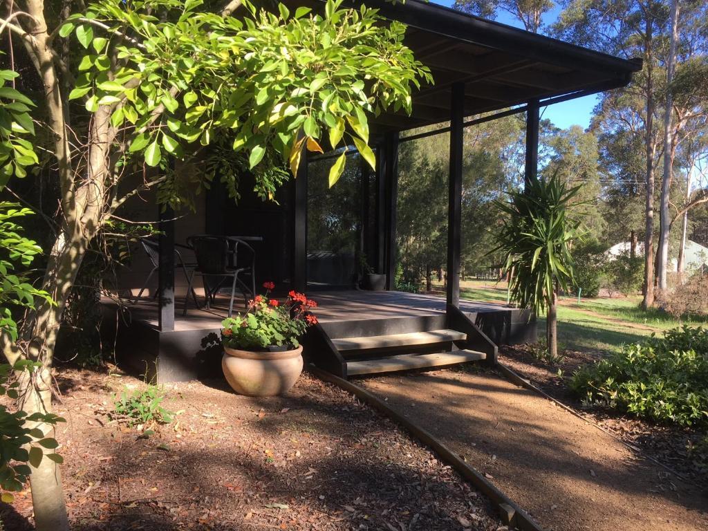 A garden outside Hunter Valley Retreat