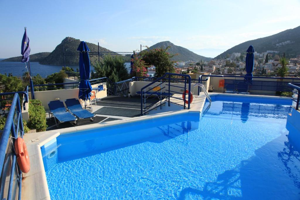 The swimming pool at or near Heliotopos Apartments