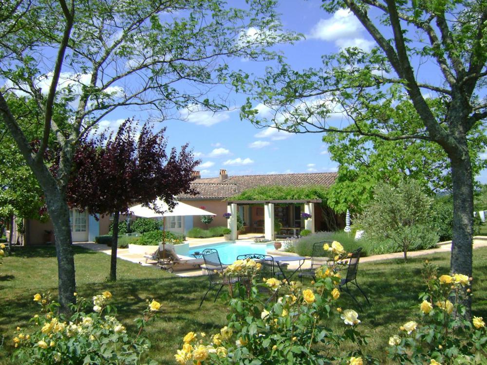 Piscine de l'établissement Sainte-Colombe-de-Duras Villa Sleeps 6 Pool WiFi ou située à proximité