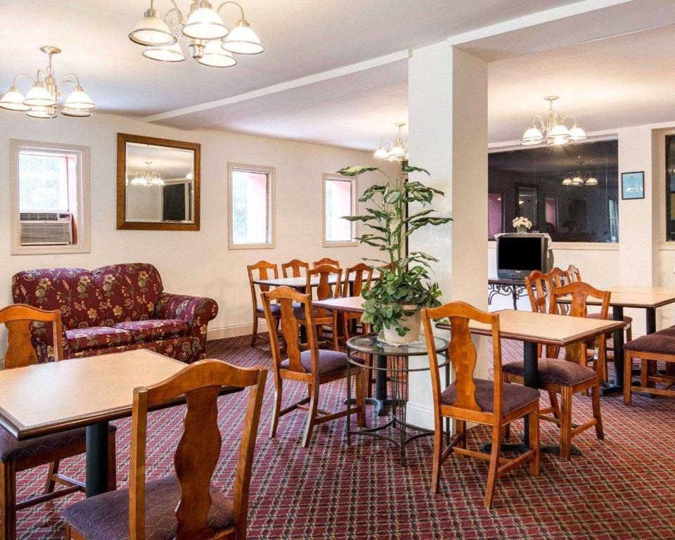 Econo Lodge Petersburg