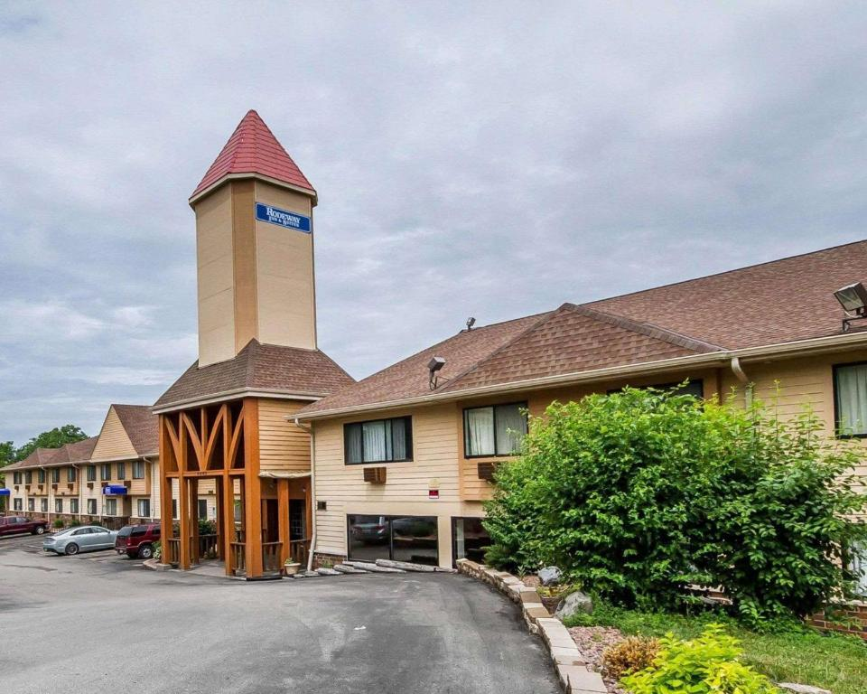 Rodeway Inn & Suites Wisconsin Madison - Northeast.