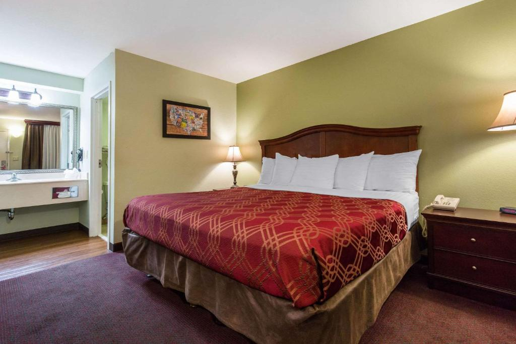 Econo Lodge at Thousand Hills Branson