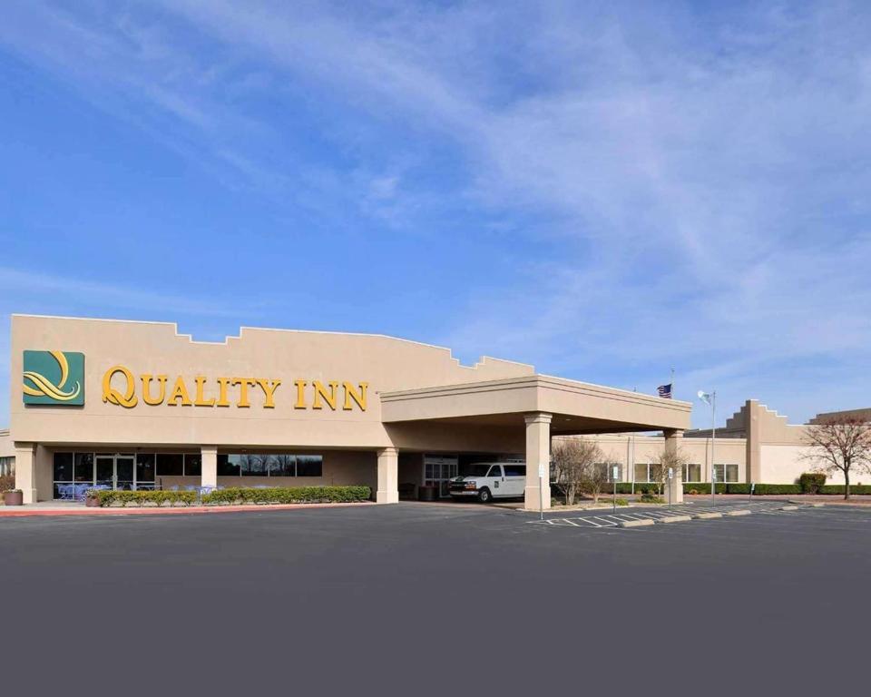 Quality Inn Oklahoma City Airport.