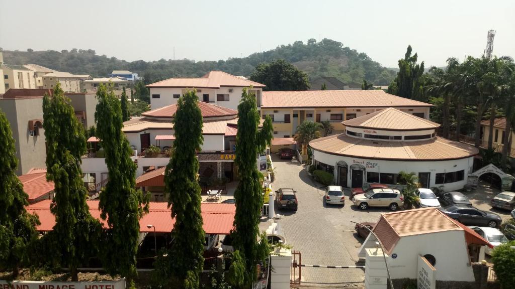 Vaade majutusasutusele Grand Mirage Hotel Abuja linnulennult