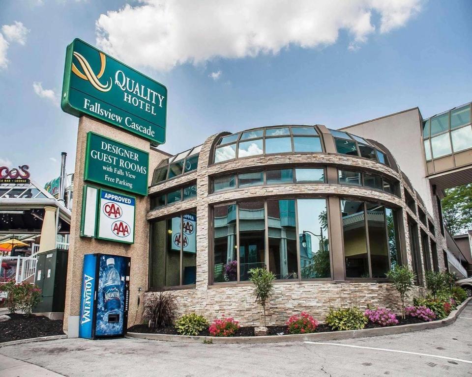Quality Hotel Fallsview Cascade Niagara Falls Canada