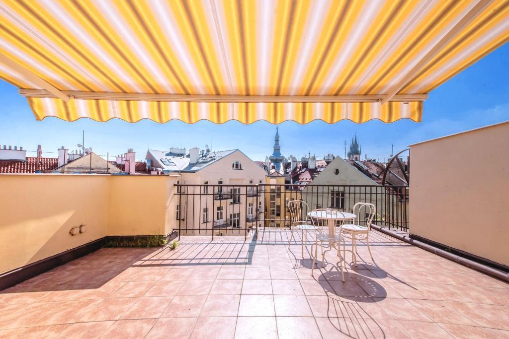 A balcony or terrace at Apartment Vezenska