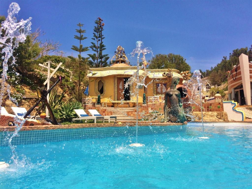 Der Swimmingpool an oder in der Nähe von Villa Ana Margarida Beach