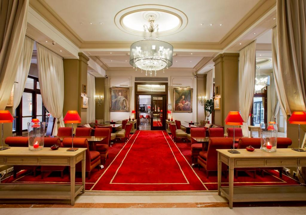 Hotel California Champs Elysees Paris France Booking Com
