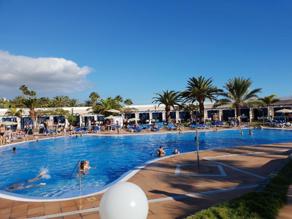Apartamentos Playa Feliz, Playa del Ingles – Updated 2019 Prices