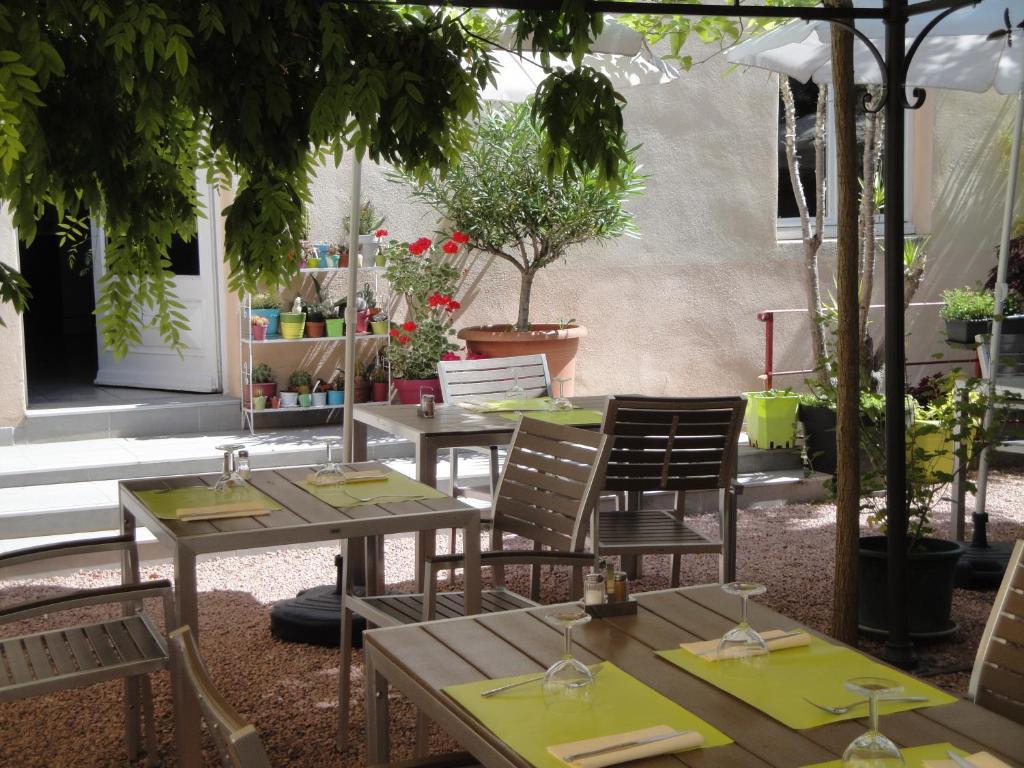 Hotel Le Marronnier Tramayes France Booking Com