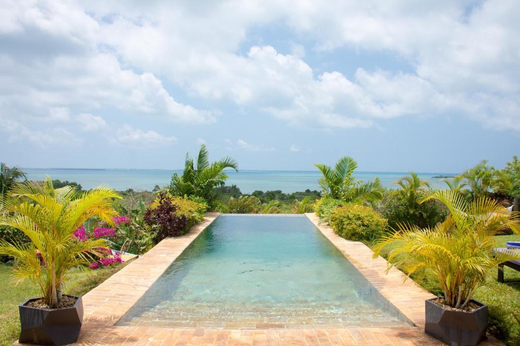 The swimming pool at or near Kidoti Villas by Z