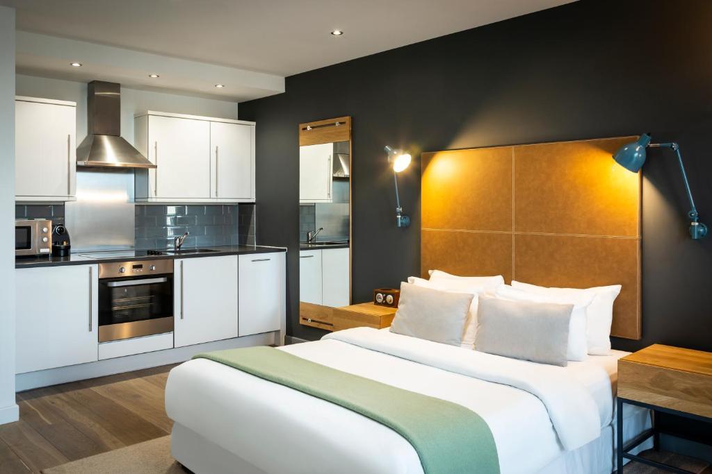 An apartment at the Aparthotel Adagio London Brentford.