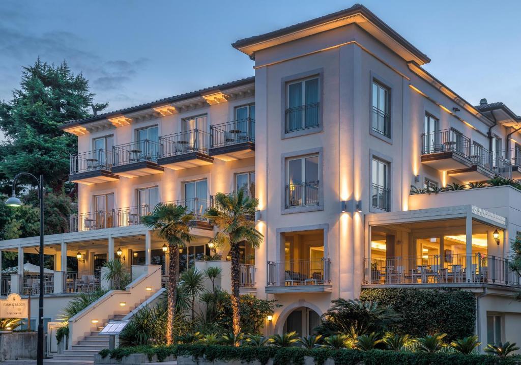 Villa Rosa Hotel Desenzano, Desenzano del Garda – Prezzi ...