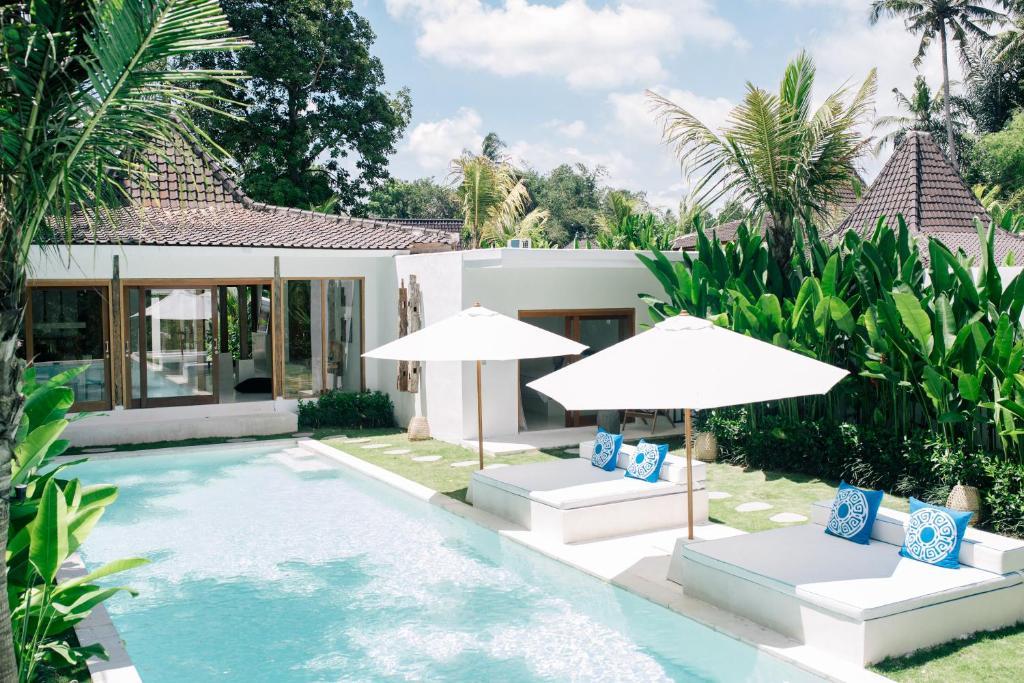 Piscine de l'établissement The Apartments Ubud ou située à proximité