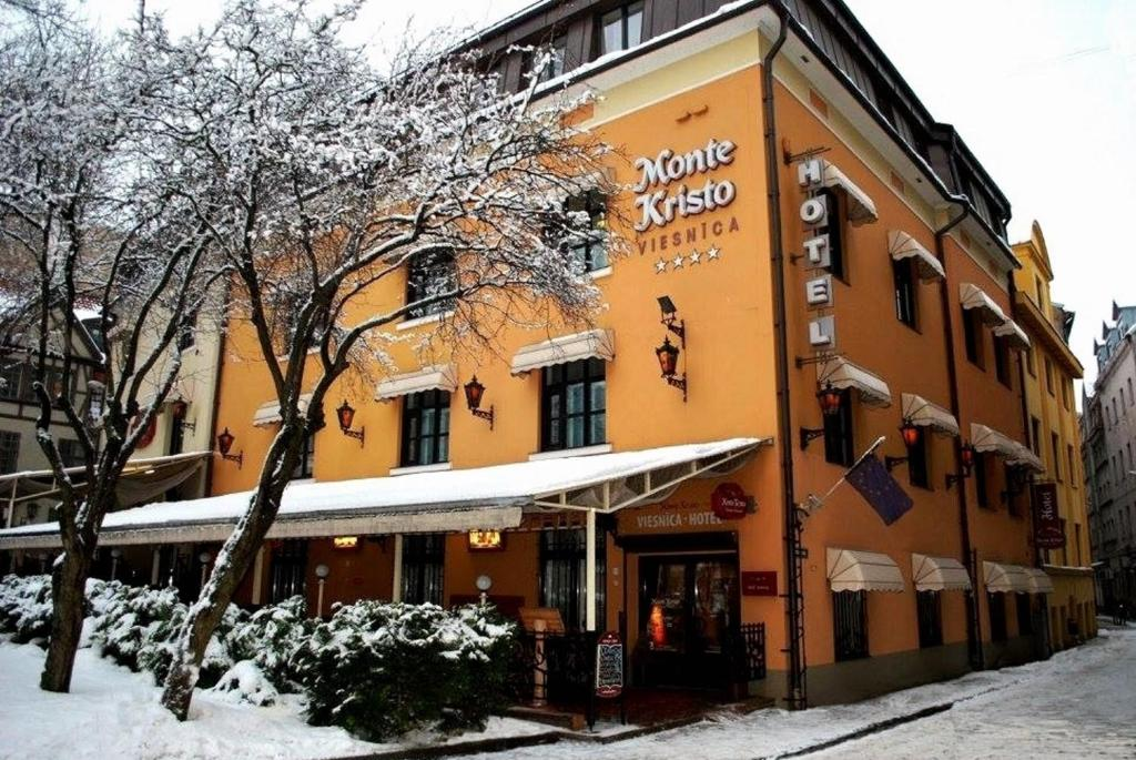 Boutique Hotel Monte Kristo during the winter