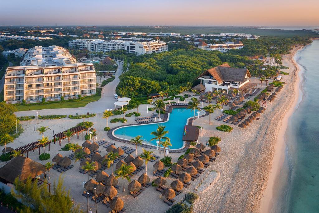 Uma vista aérea de Ocean Riviera Paradise All Inclusive