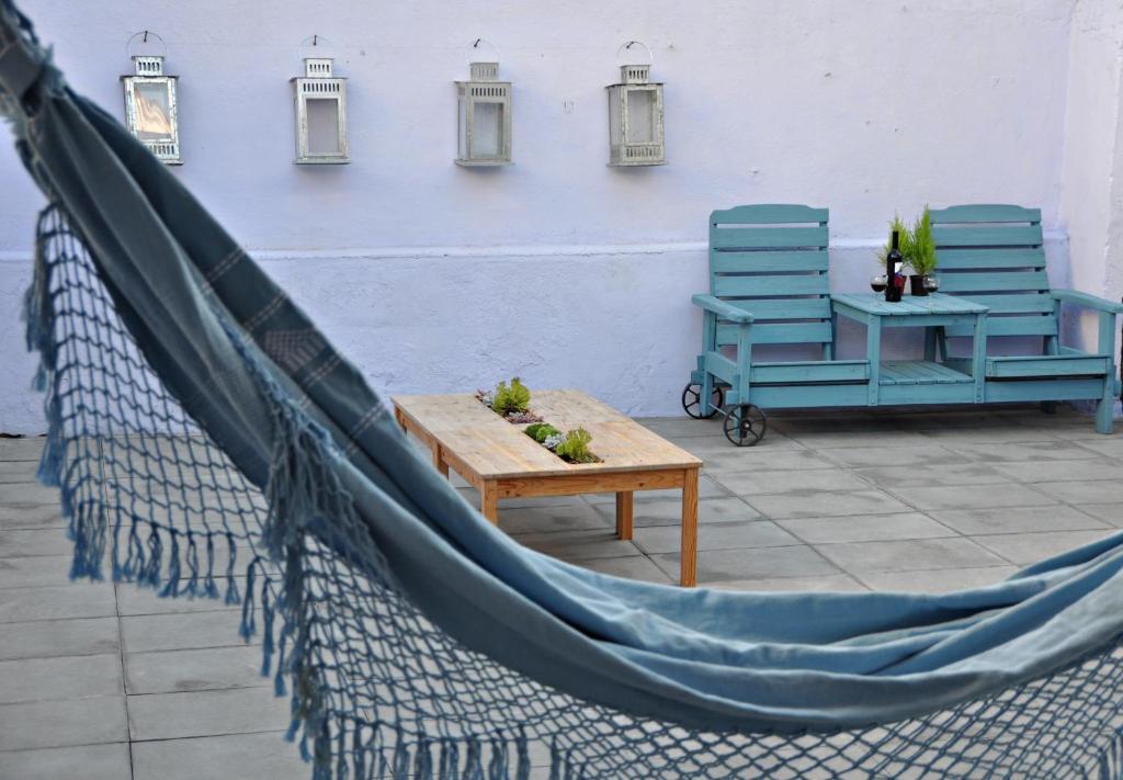 A balcony or terrace at Aloha Beach House H