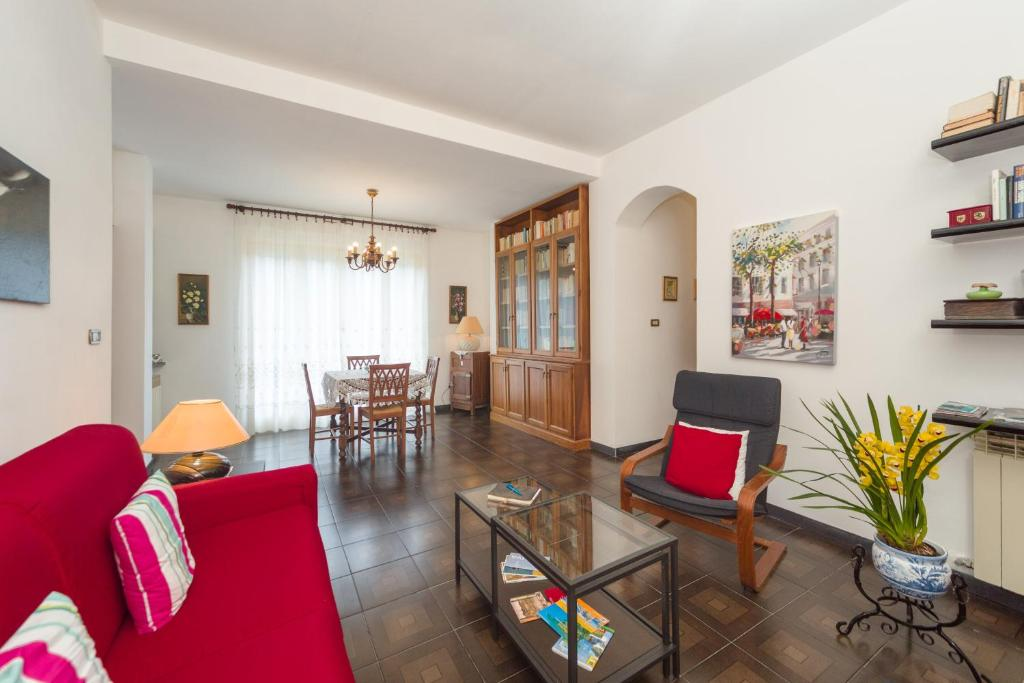 Tavoli E Sedie Da Giardino Carrefour.Apartment Il Giardino Delle Ortensie Salto Italy Booking Com