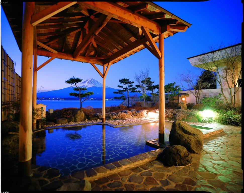 The swimming pool at or near Shuhokaku Kogetsu
