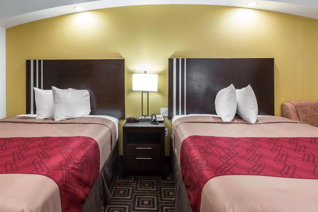 Econo Lodge Inn & Suites Spring - Woodlands