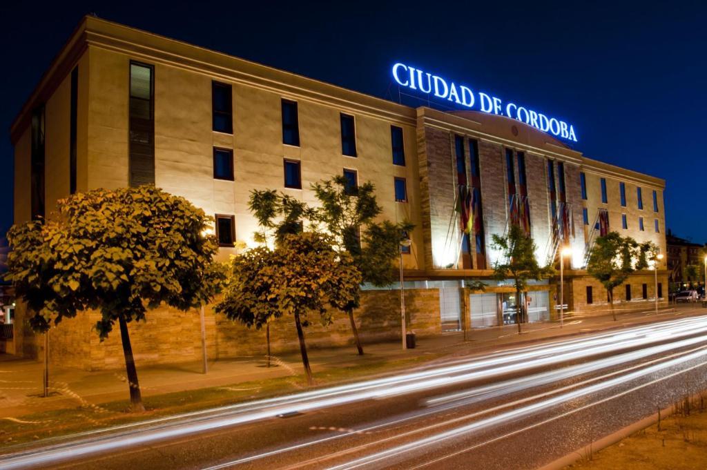 Resultado de imagem para Exe Cidade de Córdoba hotel