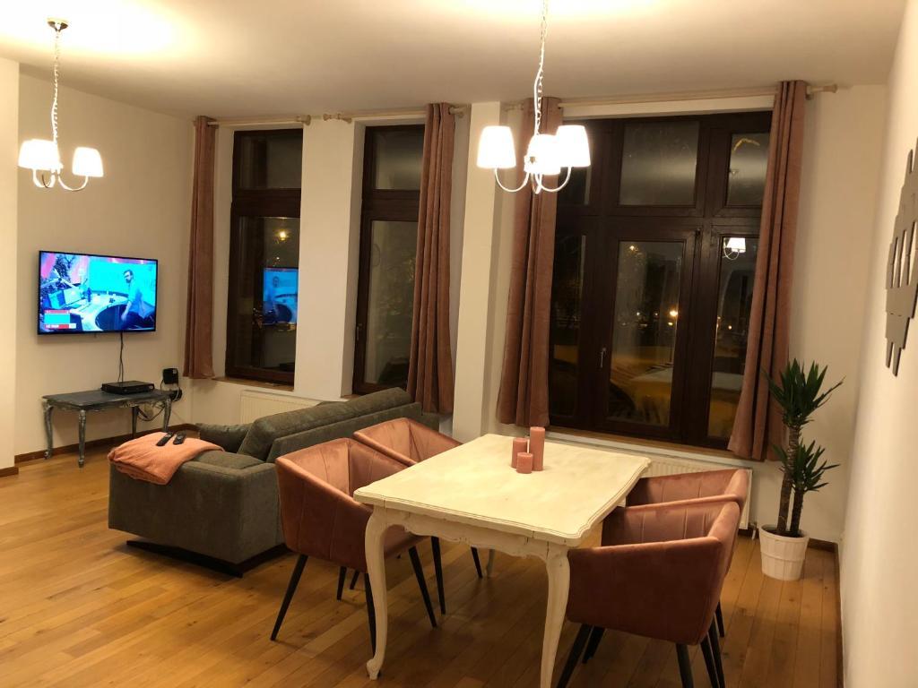 Een zitgedeelte bij Zuiderdokken Apartments