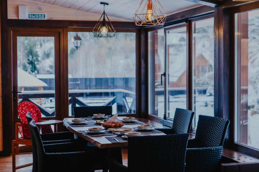 Ресторан / где поесть в Ручьи уДачи