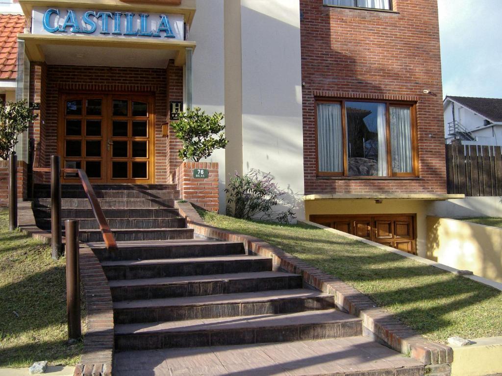 Hotel Castilla (Argentina Villa Gesell) - Booking.com
