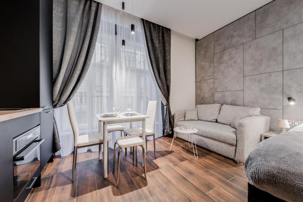 Posedenie v ubytovaní NEW Apartment -Near dancing house Prague #2