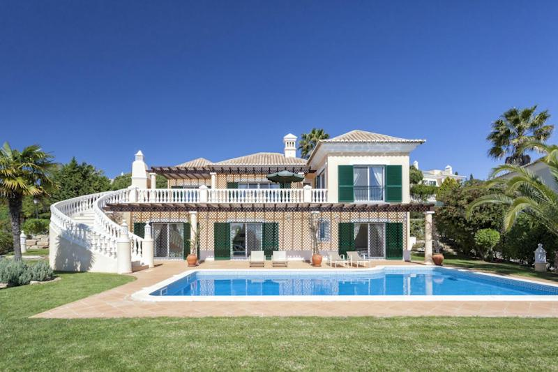 The swimming pool at or near Vale do Lobo Villa Sleeps 8 Pool Air Con T480276