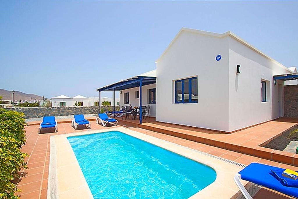 Villa Tamia, Playa Blanca, Spain - Booking.com