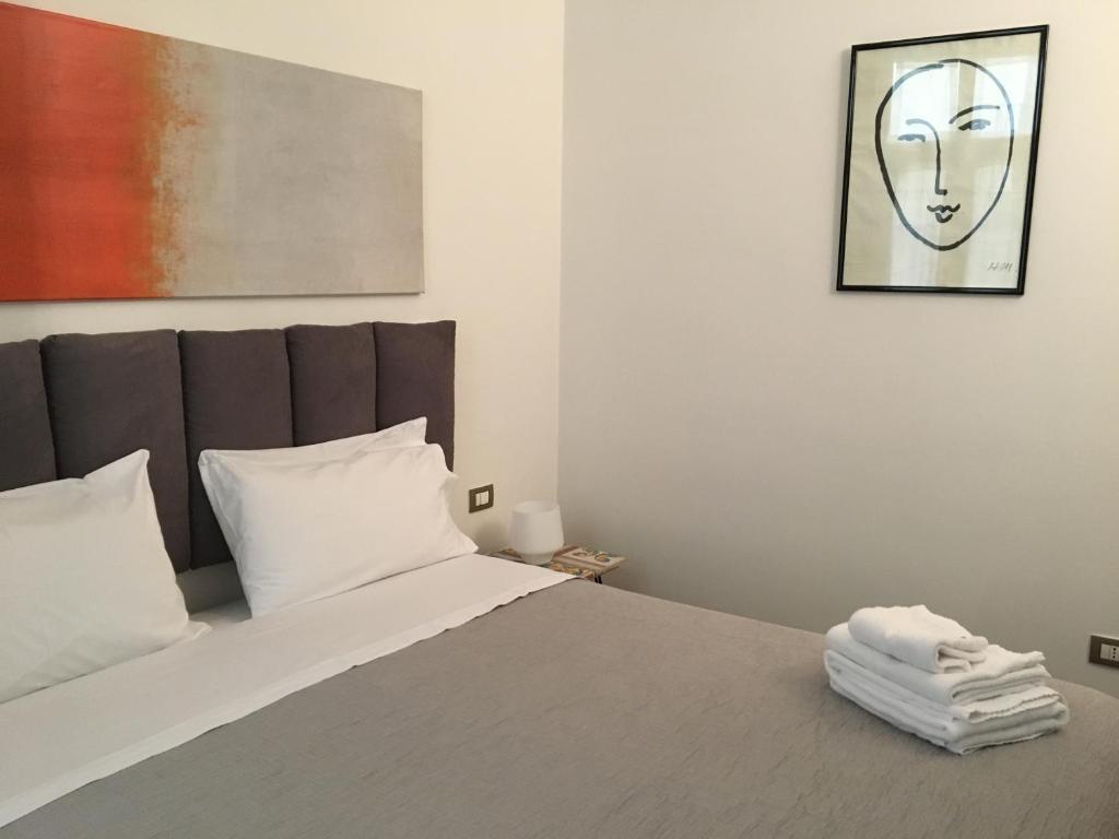 Il Mio Guardaroba Salerno.La Casa Di Ago Salerno Prezzi Aggiornati Per Il 2020