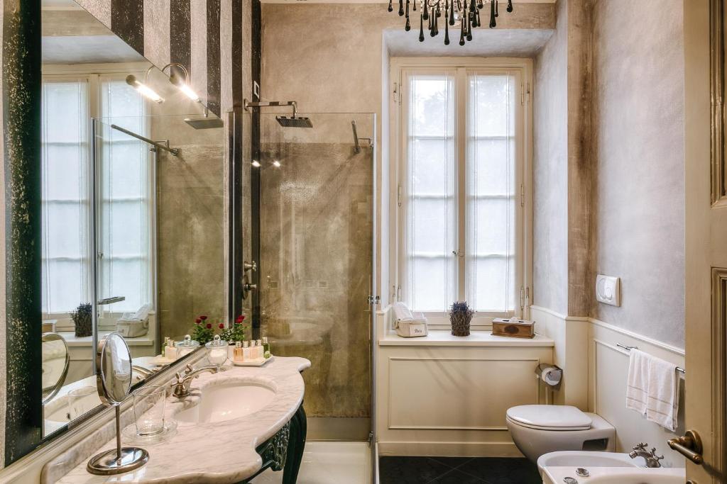 Relais Villa Vittoria Laglio Italy Booking Com