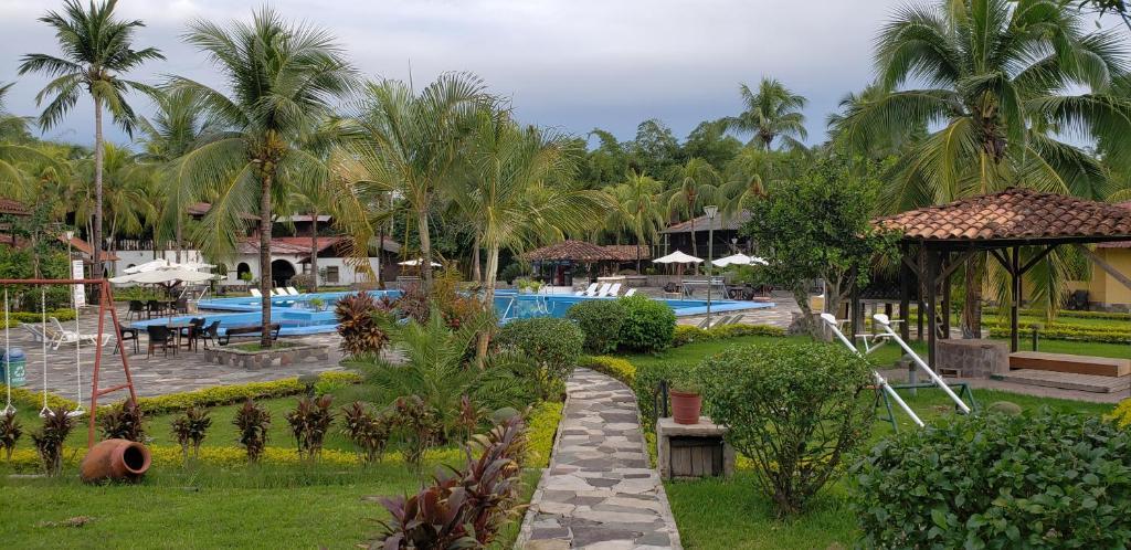 Hotel Puerto Palmeras Tarapoto Resort, Tarapoto – Precios ...