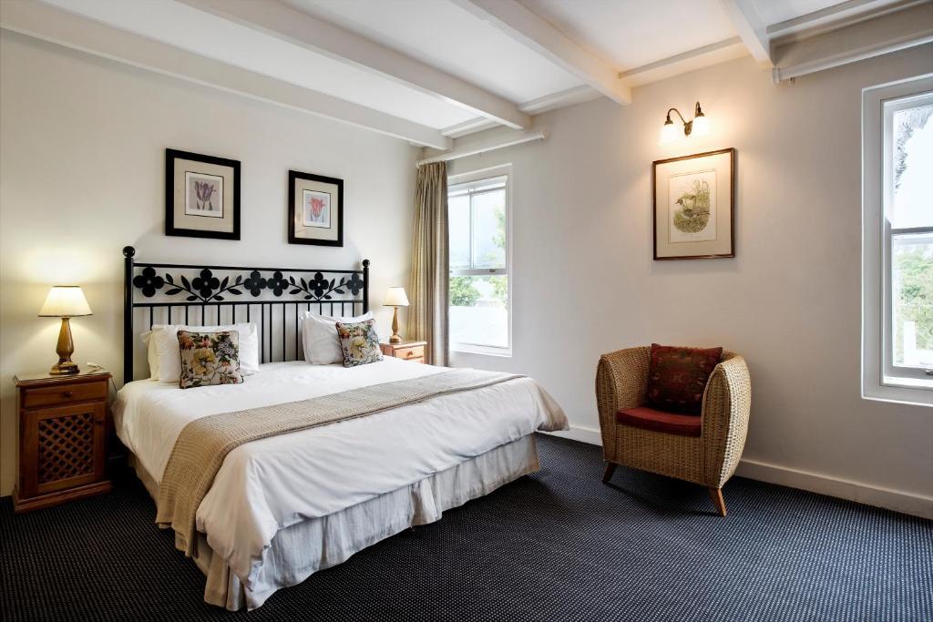 Cama ou camas em um quarto em The Stellenbosch Hotel