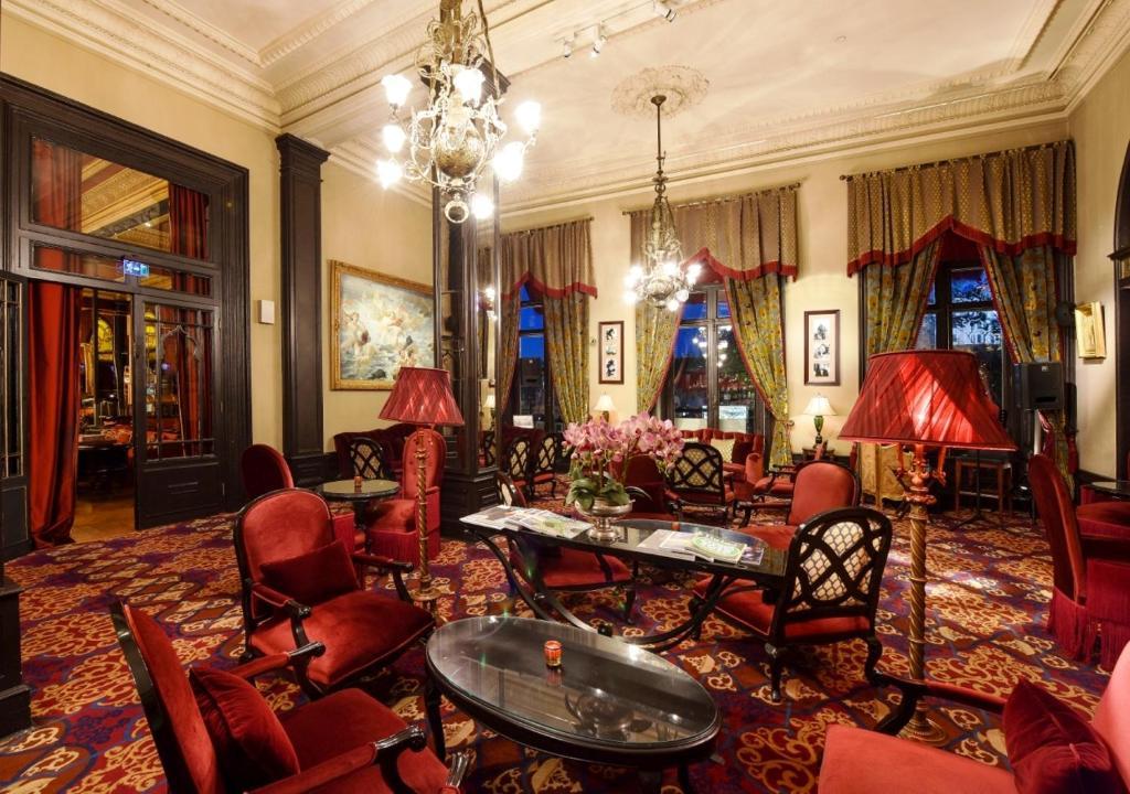 Лобби или стойка регистрации в Pera Palace Hotel
