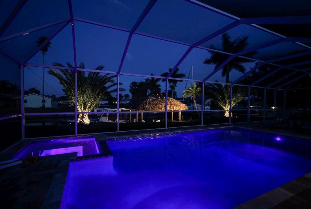 Der Swimmingpool an oder in der Nähe von Majestic Palms