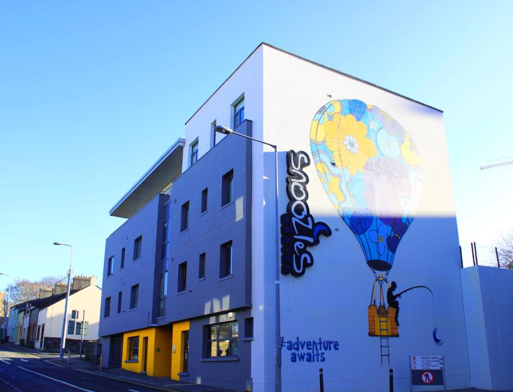 Snoozles Tourist Hostel Irland Galway Booking Com
