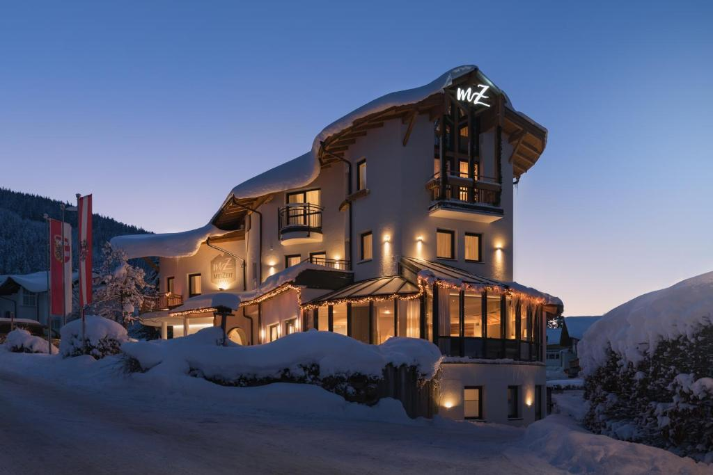 meiZeit Lodge during the winter