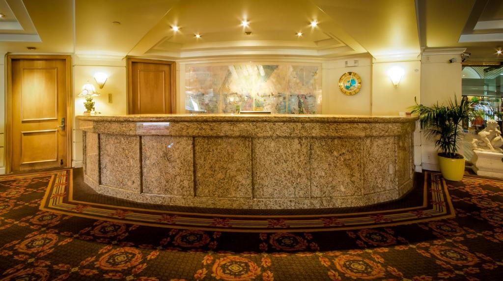 The lobby or reception area at New Seoul Hotel