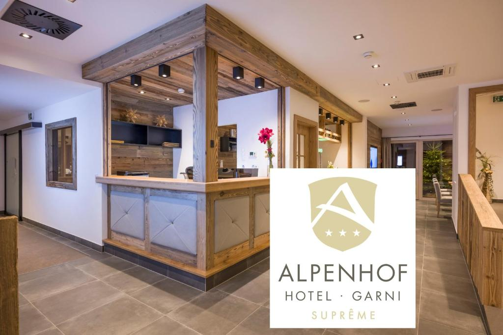 The lobby or reception area at Alpenhof Hotel Garni Suprême