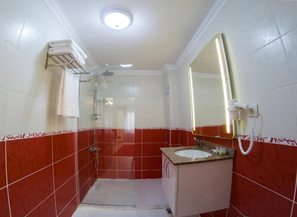 Ванная комната в Sirkeci Family Hotel