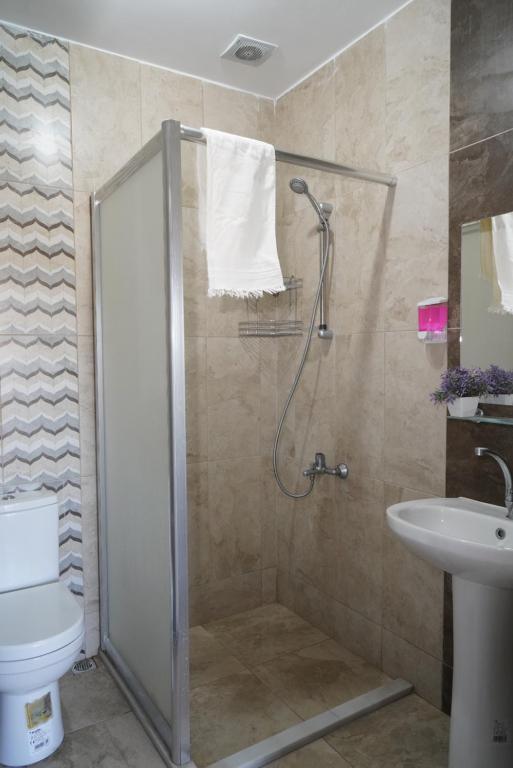 A bathroom at Hersek Otel