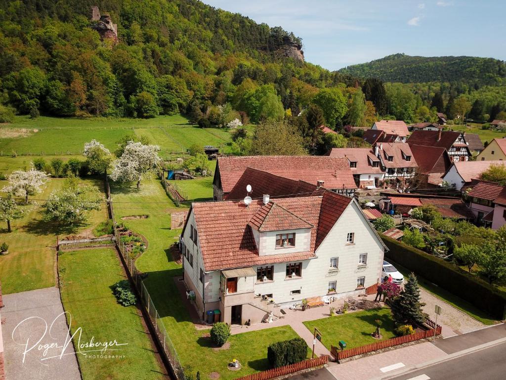 Vue panoramique sur l'établissement Chambre d'Hotes Petit Arnsbourg