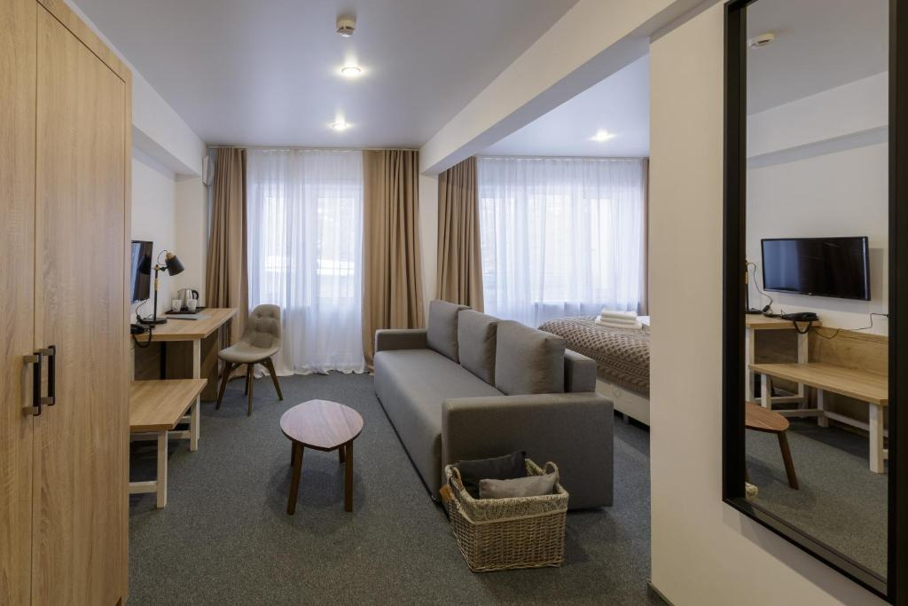 Гостиная зона в Park Hotel Sobolinka