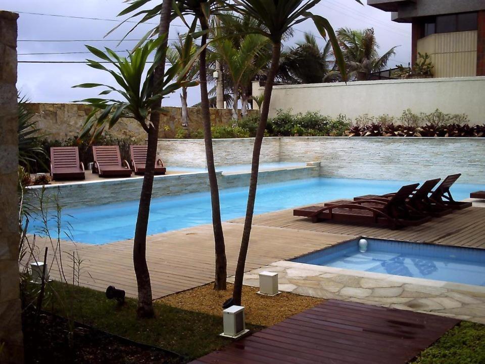 萬禮吉恩公寓式酒店游泳池或附近泳池