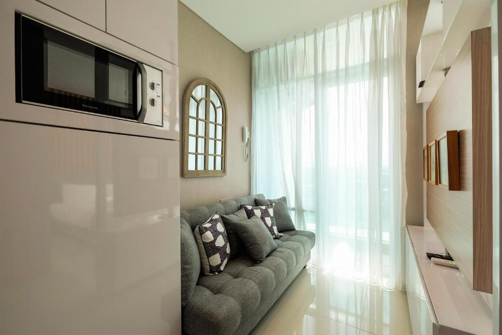 Amazing Brooklyn Alam Sutera Studio Apartment With Sofa Bed By Gmtry Best Dining Table And Chair Ideas Images Gmtryco